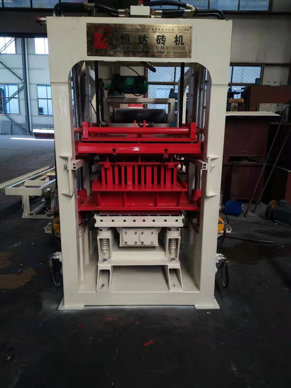 Vente en usine Fabrication de blocs de béton pour finisseur à pression hydraulique automatique Prix de la machine