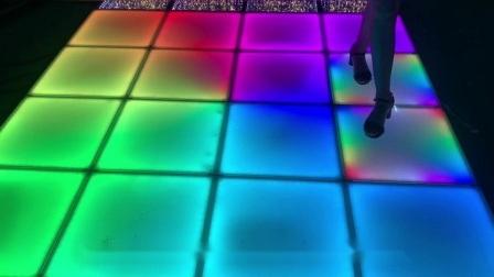 マグネットナイトクラブディスコがインタラクティブ LED ダンスフロアを明るくしている