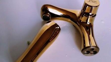 Rubinetto dorato cromato d'ottone del dispersore del colpetto di miscelatore del bacino della stanza da bagno alta