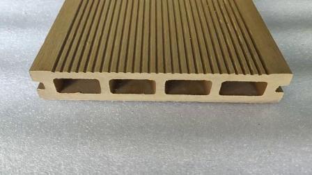 Hueco relieve de enclavamiento impermeable WPC compuesto de placa de cubierta Piscina Exterior techado ignífugo Anti-UV Hollow WPC techado