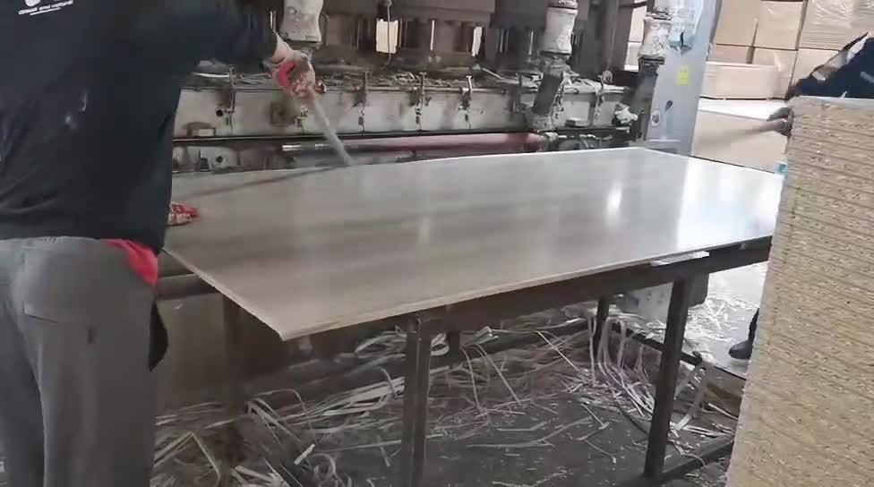 La Junta de partículas normal/melamina aglomerado frente/ Junta Ldf tableros de fibra de Densidad Baja en venta