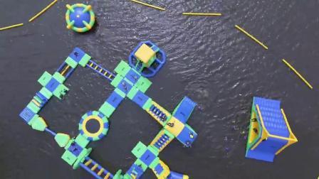 アクアパークフローティング膨張式ウォーターパークの成人用変曲式ウォータースポーツゲーム シーレイクへ