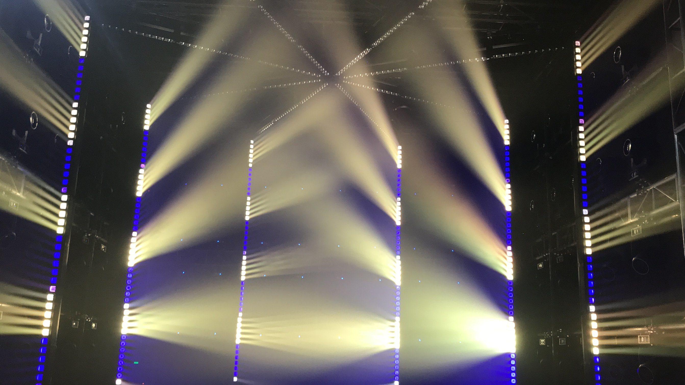 Neue Fabrik leistungsstarke 12 * 40W RGBW 4in1 LED Pixel Zoom Strahl Lineare Balkenbeleuchtung Wird Bewegt