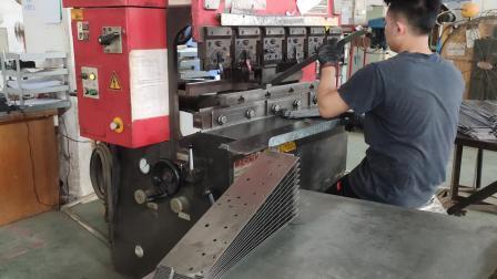 ODM rivestimento in acciaio legato fabbricazione della staffa di fissaggio per stampaggio
