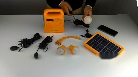 2021 CE/PNUD certifié l'Énergie solaire Énergie Accueil Kit d'éclairage LED système de la lumière avec 3 ampoules de lumière à LED pour la maison et une utilisation en extérieur