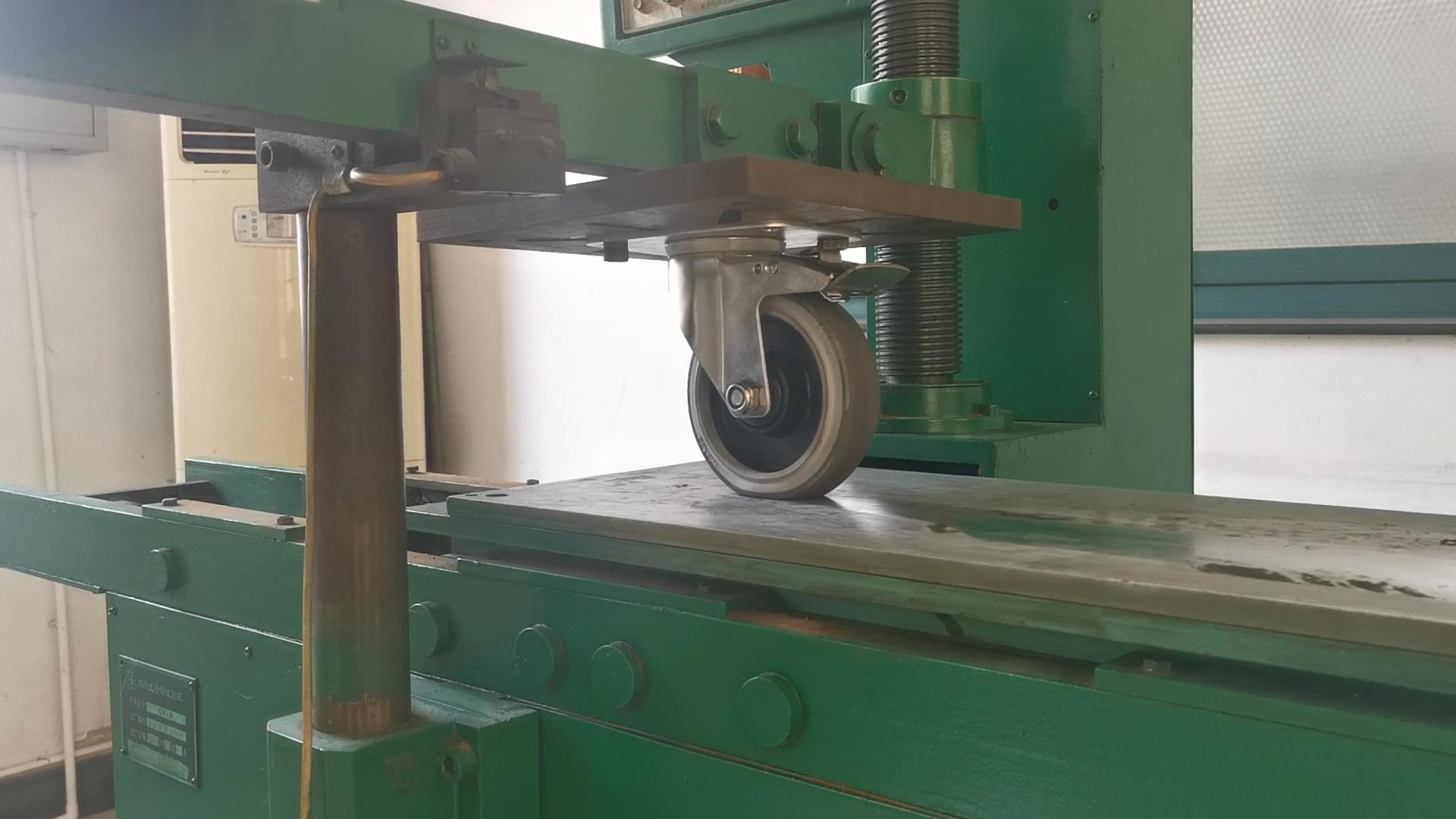 Rotella girevole fissa a uso medio dell'unità di elaborazione del ghisa da 5 pollici