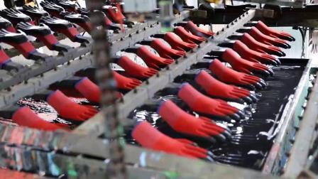 A China fez 13G Vermelho Preto de poliéster revestida de nitrilo luvas resistentes ao óleo de luvas
