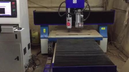Verkaufs-auf lager Reklameanzeige CNC-Fräser CNC-Gravierfräsmaschine 1313GS 3D CNC-Fräser-Gravierfräsmaschine anhalten
