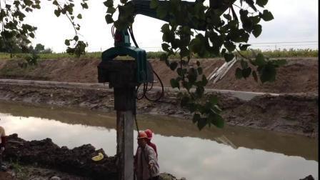 36ton Escavadora hidráulica com um martelo de estacas para venda