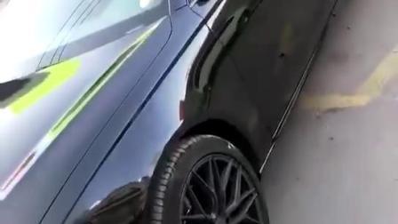 Superultra glattes Auto, das Vinylfolien-Rolle mit Luft-Freigabe einwickelt