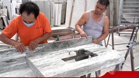 Acessível Branco/Vermelho/Preto/Cinza Brittanica Mármore Granito Quartzito Quartzo olhar Superfície sólida Bancada de cozinha para projeto da família