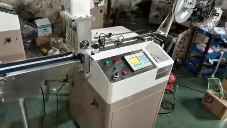 プリントケアラベル用高速超音波テキスタイルラベルカッター