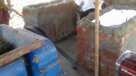小型自動車用手動移動式ロゴ粘土煉瓦機械、赤い粘土の煉瓦の製造機械