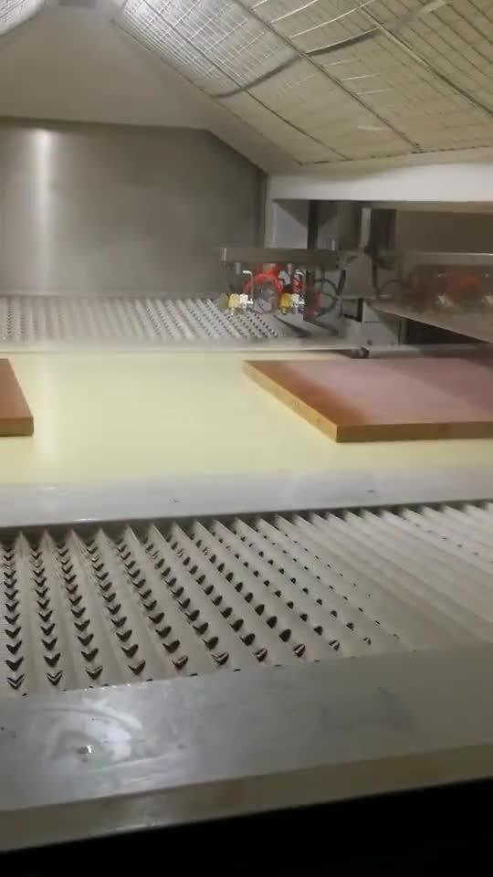 Branddeur in het interieur massief hout