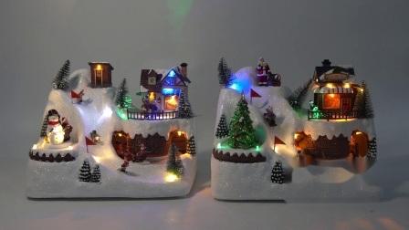 Venda por grosso Noel LED acenda Xmas Cena Fibra Óptica Musical de resina animada aldeia natal com a Estação Ferroviária de rotação e skater