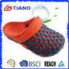 New Design Wholesale Summer Beach Man Clogs (TNK40070)