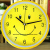 Hot Selling in 2017 Decorative Fashionable Smile Wall Clock