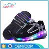 La nuova rotella dell'indicatore luminoso della fabbrica di disegno calza i pattini del pattino di rullo dei capretti LED