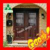 内部の鋼鉄木のドア