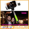 Nacht die Selfie gebruikt die het Licht van de Flits verbetert (iblazr)