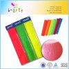 El neón metálico de los colores colorea el papel de Crepe del color