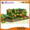 De houten Materiële BinnenSpeelplaats van het Spel van de Trein van Kinderen Grappige Elektrische