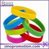 Bracelet fait sur commande bon marché de claque de silicone d'amitié personnalisé par mode en gros