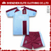 O OEM presta serviços de manutenção a uniformes do futebol dos miúdos do profissional barato