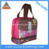 La maniglia termica dell'isolamento di picnic trasporta il sacchetto più freddo del pranzo