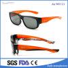 Usura degli occhiali da sole sopra i vetri di prescrizione. Media polarizzato di formato