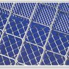 溶接された正方形の網