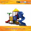 Цветастое смешное оборудование спортивной площадки детей