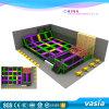 Parque profissional do Trampoline e equipamento interno do campo de jogos para crianças e adultos