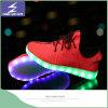 新しいデザインUSBの料金LEDの軽いスニーカーの靴