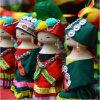 소수 민족 중국에 아름다운 옷 환영을%s 가진 가정 훈장을%s 부유한 중국 자수 인형