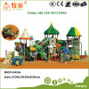 Lustige Waldserie schiebt für Kind-im Freienspielplatz