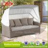 紫外線証拠が付いている藤のソファー