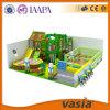 Campo de jogos 2015 interno do tema da selva de Vasia para a casa da selva