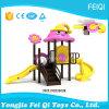Cer-kleines Kind-im Freienspielplatz-Schloss-Unterhaltungs-Gerät