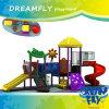 Equipo al aire libre colorido preescolar del patio de los niños