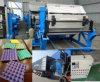自動ペーパーを機械で造らせる機械プラントに紙くずの卵の皿に小さい卵の皿