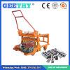 構築機械Qmy4-45ディーゼル移動式卵置くコンクリートブロック機械