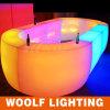 Clube noturno iluminado em volta do projeto da tabela da barra do diodo emissor de luz