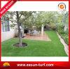 Het populaire Kunstmatige Synthetische Gras van het Gazon voor het Ornament van de Tuin
