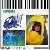 プラスチックおもちゃ車が付いている子供の買物車