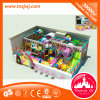 Do brinquedo interno plástico do labirinto dos miúdos campo de jogos interno