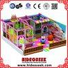 Campo de jogos macio interno das crianças cor-de-rosa encantadoras para a loja