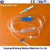 Beschikbare die Infusie met Naald (enk--029) wordt geplaatst