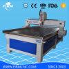 Hölzerne Holzbearbeitung, die CNC-Fräser-Maschine aufbereitet