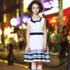 国際的な小学校のユニフォームは女の子の服を設計する